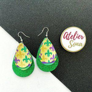 Sparkly Mardi Gras Fleur De Lis Earrings - Green
